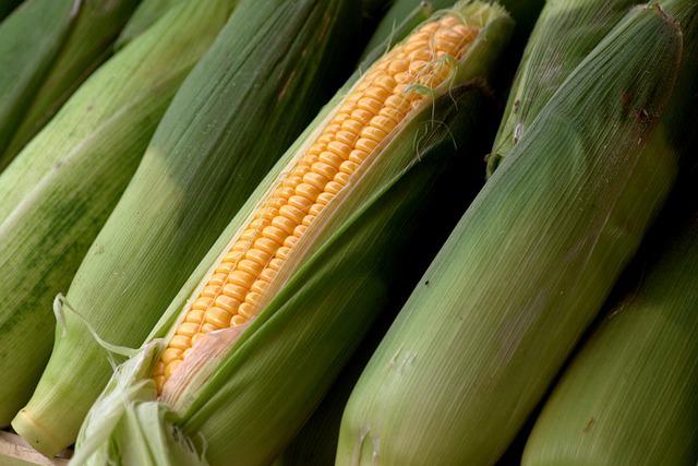 deshojadora-maiz