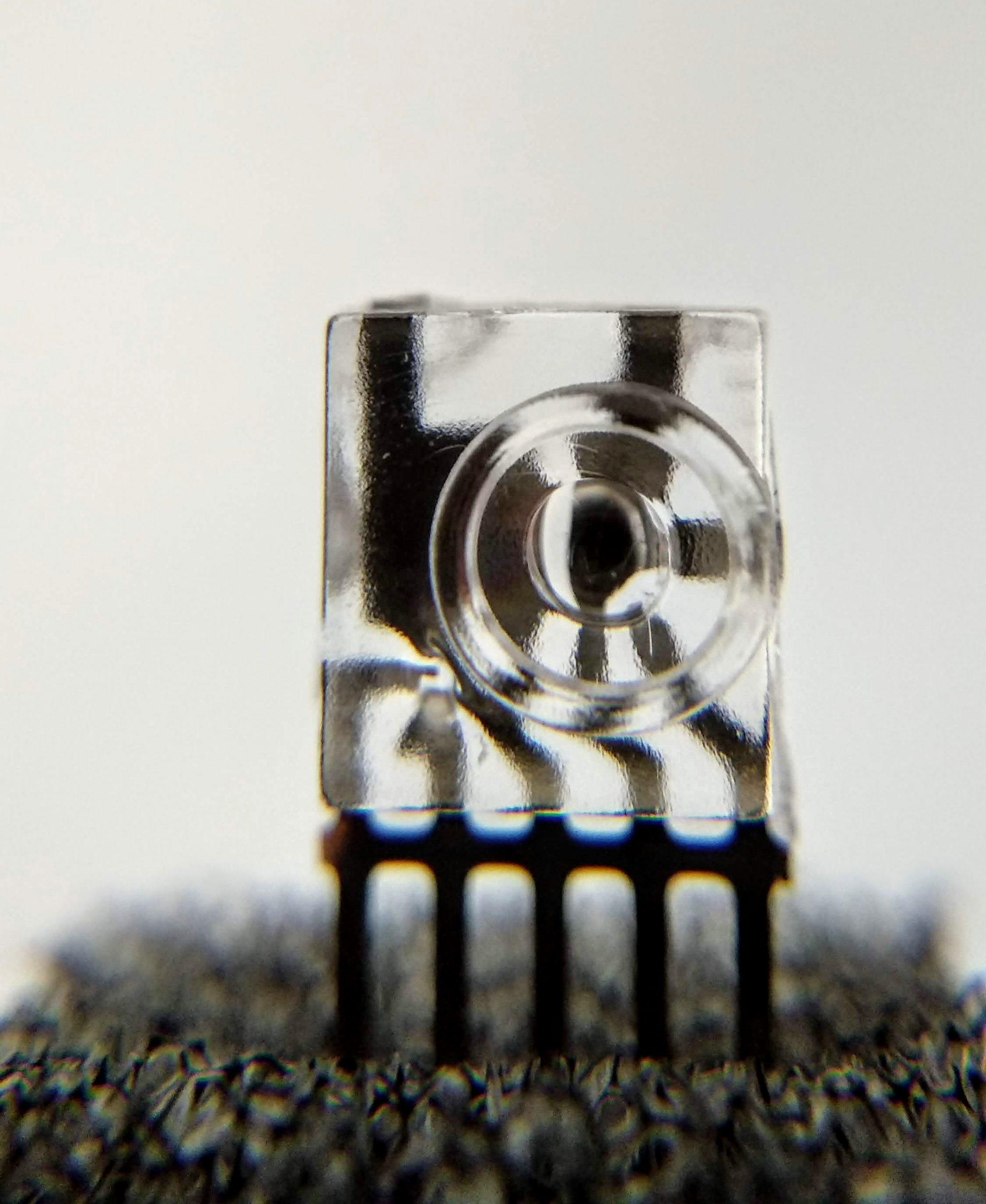 Un nuevo sistema de fabricación para componentes ópticos integrados